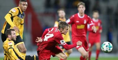 RWE verliert Benefizspiel gegen Dynamo Dresden mit 1:2