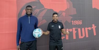 Aaron Manu verstärkt den FC Rot-Weiß Erfurt